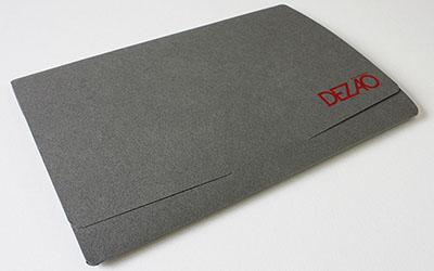 株式会社デザオ建設様_A5横型ポケットフォルダー